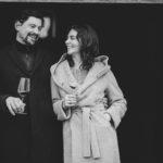 Manfred Ebner-Ebenauer und Marion Ebner-Ebenauer lachend in der Tür